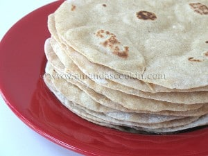 homemade flour tortillas step top 300x225 Links to Love!
