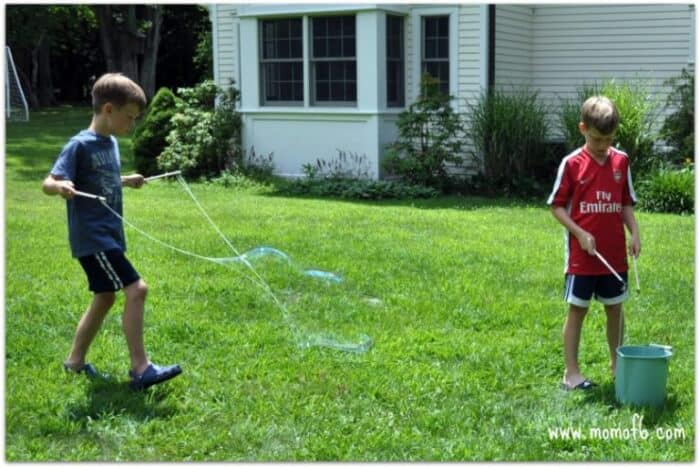 Momof6 Make Your Own Giant Bubbles3 Summer Camp At Home Craft: Giant Bubbles!