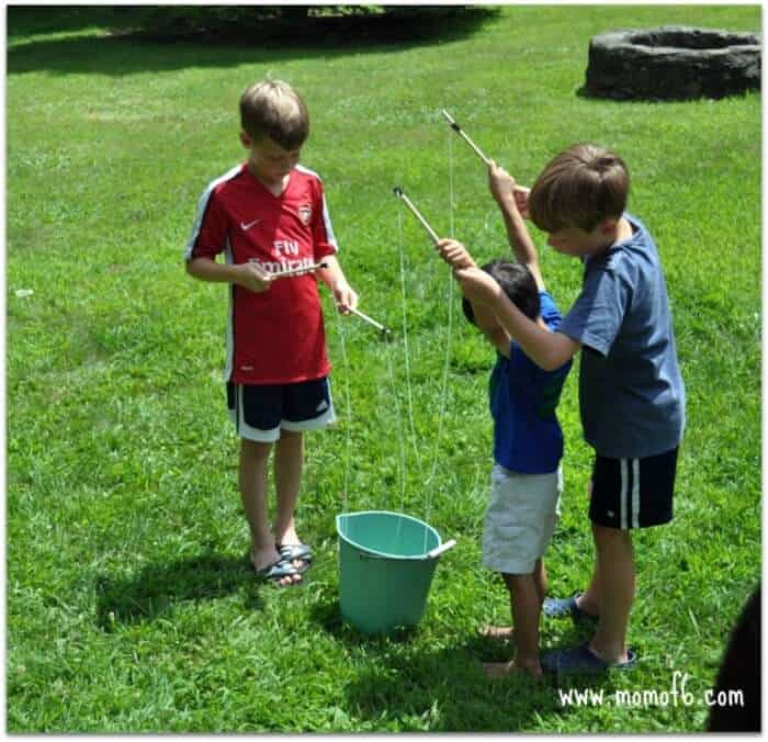 Momof6 Make Your Own Giant Bubbles5 Summer Camp At Home Craft: Giant Bubbles!