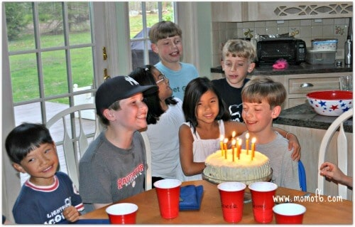 10 year old bd party3 Great 10 Year Boy Birthday Idea: DIY Magic Tricks Party!