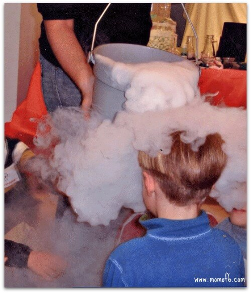 Mad Science dry ice 2 Great 5 Year Old Birthday Party Idea: A Science Party!