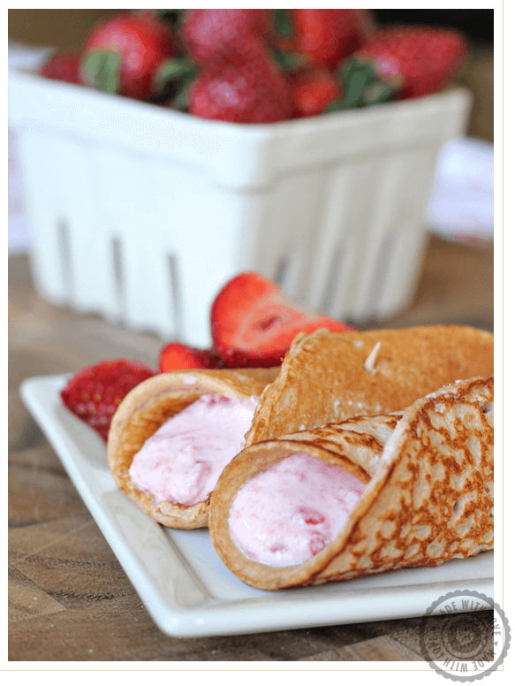 Strawberry Protein Pancakes with Yogurt Filling Links to Love: Great Ideas to Celebrate Mothers Day!