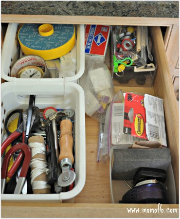 How to clean a junk drawer3 How to Clean Out Your Junk Drawers