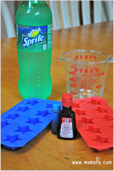 Red Blue Ie Cubes1 A Simple but Fun Idea for July 4th: Star Shaped Ice Cubes!