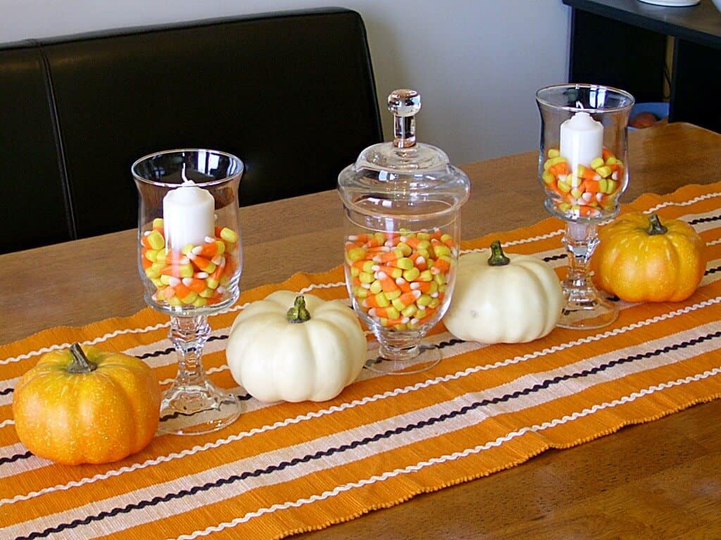 Halloween Decor 2010 004 1024x768 Links to Love: Decorating Inspiration and Fall Yumminess