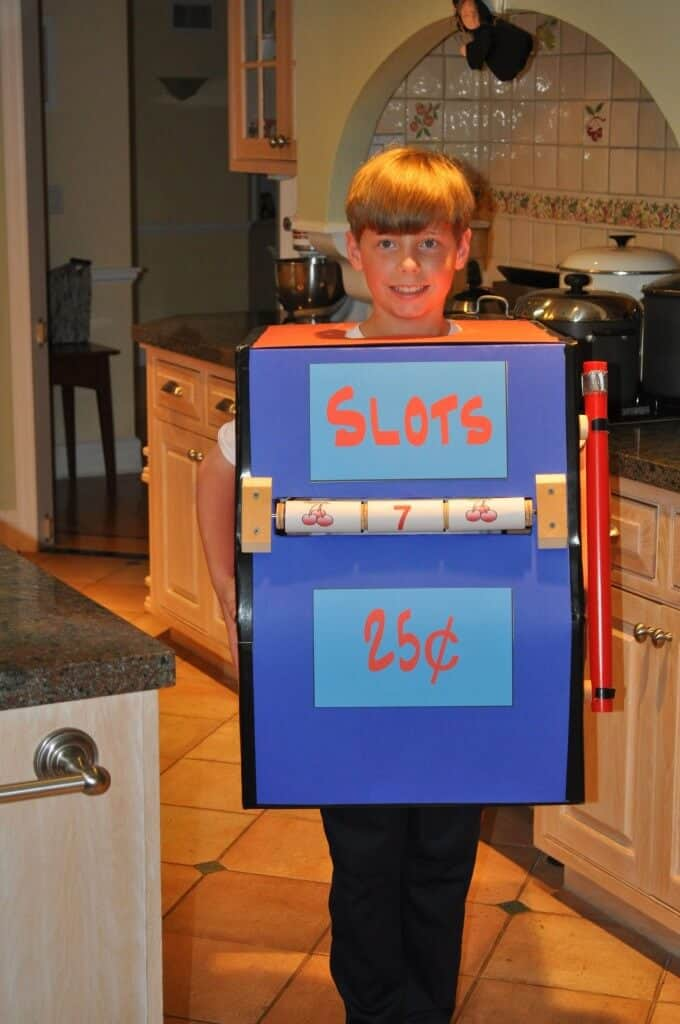 Kyle slot machine1 680x1024 My Favorite Halloween Costumes
