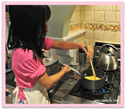 Cooking with Mom2 Are my younger kids having the same childhood as their older sibs? {#ShareYourLife}
