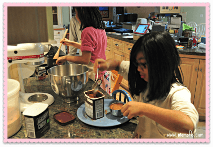 Cooking with Mom3 Are my younger kids having the same childhood as their older sibs? {#ShareYourLife}