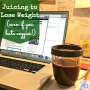 Like you I've heard all about the health benefits of juicing. I have also heard that lots of people were juicing to lose weight, but there was one thing that stopped me in my tracks. I, um…. hate veggies. Here's how I learned to make juicing to lose weight work for me!